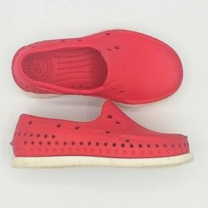 Native Howard Baby Boy Toddler Red Waterproof Boat Shoes Loafers Size 7
